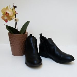 American Rag Shoes - American Rag Ankle Boots Size 9